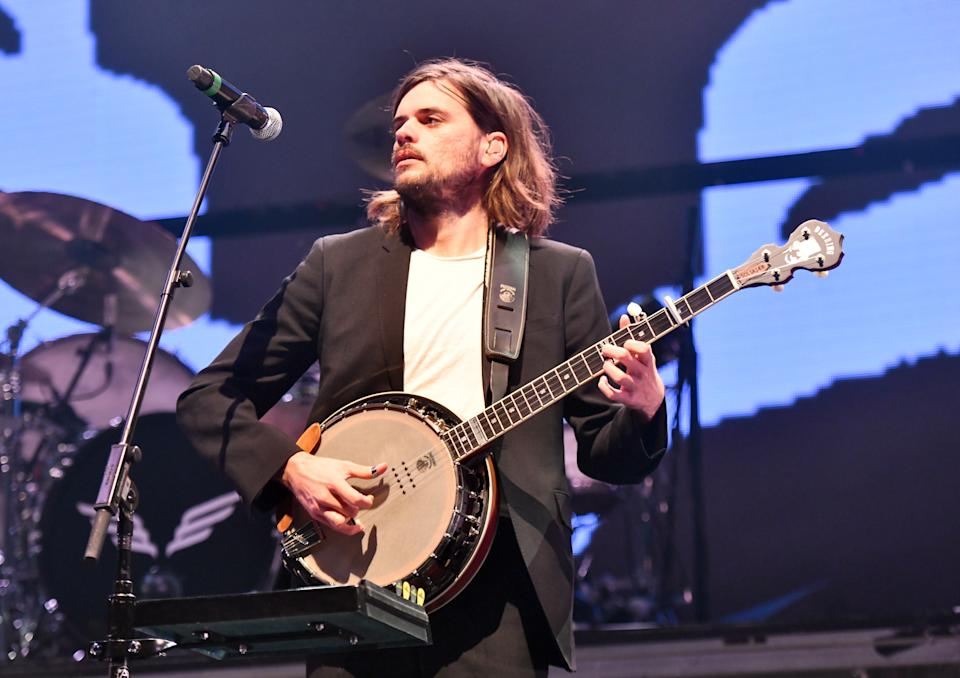 Mumford & Sons banjo player Winston Marshall's support of Andy Ngo's new book is sparking backlash. (Photo: Scott Dudelson/Getty Images)