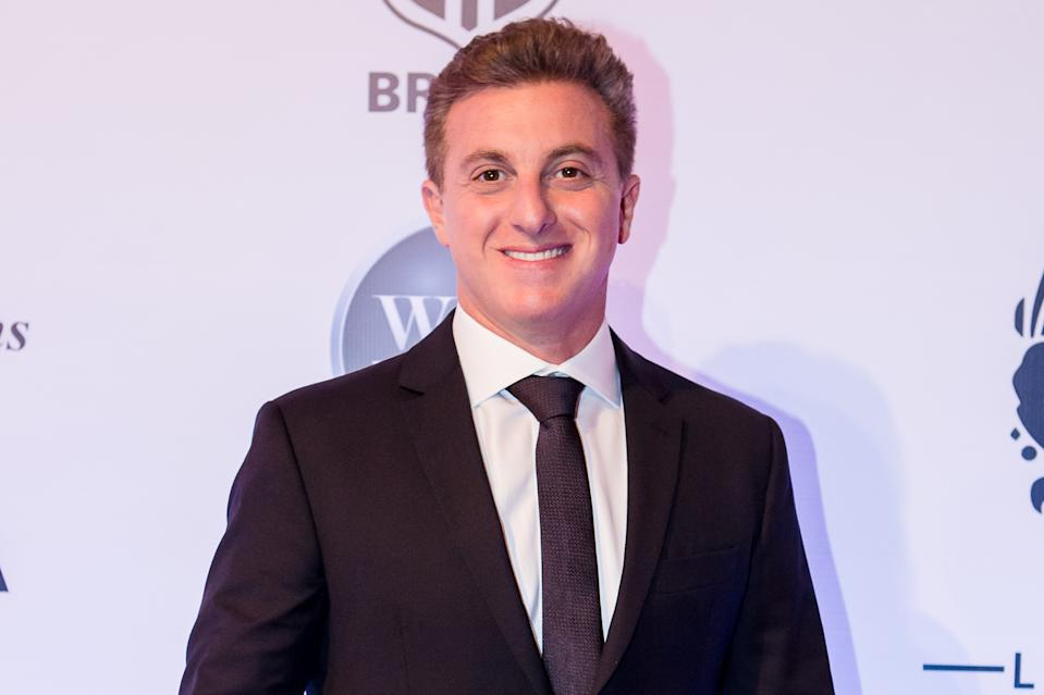SAO PAULO, BRAZIL - JUN 22: Luciano Huck poses before a benefit auction at Hotel Unique on June 22, 2017 in Sao Paulo, Brazil. (Photo by Mauricio Santana/Getty Images)