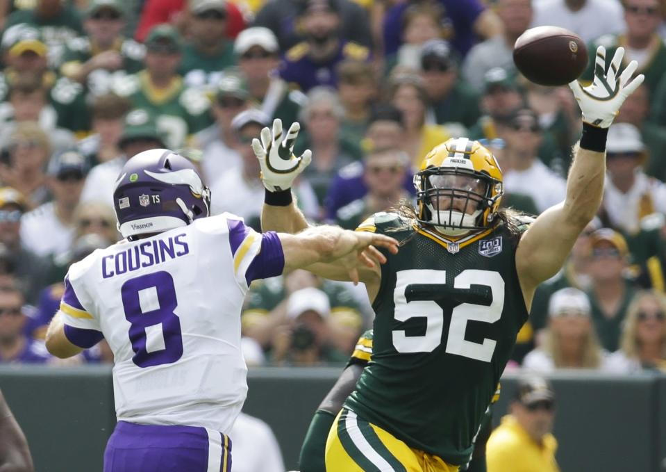 Green Bay Packers pass rusher Clay Matthews wasn't happy with a roughing-the-quarterback penalty in Sunday's game. (AP)