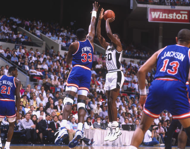 Injuries robbed us of a 1999 NBA Finals matchup between David Robinson and Patrick Ewing. (Getty Images)