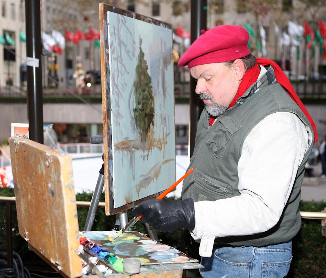 NEW YORK - NOVEMBER 30:  Artist Thomas Kinkade paints the 2007 Rockefeller Center Christmas Tree November 30, 2007 in New York City.