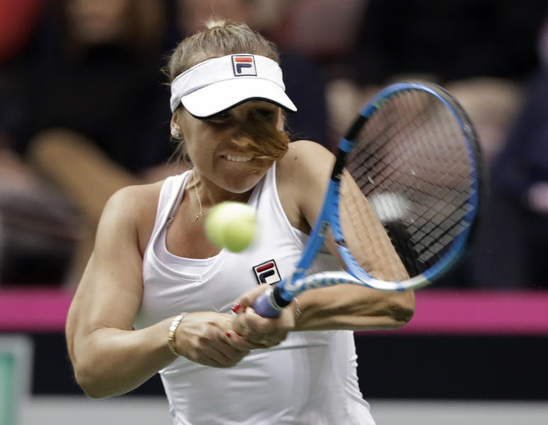 Fed Cup: France and Belarus lead 2-0; Czechs and U.S.  tied