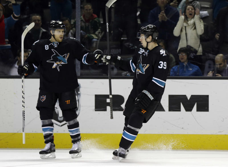 Pavelski scores 2 goals in Sharks' win over Wild