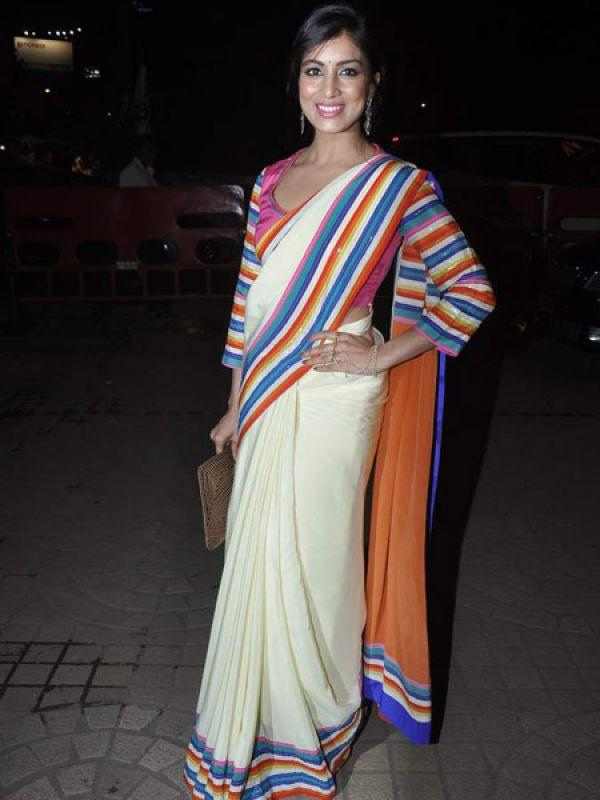 <p><strong>Image courtesy : iDiva.com</strong></p><p>Debutante Pallavi Sharda is all smiles at the screening of her first film.</p><p><strong>Related Articles - </strong></p><p><a href='http://idiva.com/news-entertainment/besharam-first-look/18234' target='_blank'>Besharam [First Look]</a></p><p><a href='http://idiva.com/news-entertainment/besharam-trailer-video/23254' target='_blank'>Besharam Trailer [Video]</a></p>