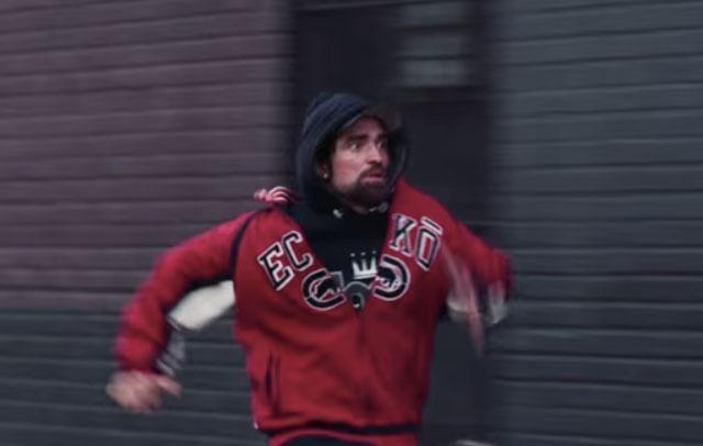 Robert Pattinson is unrecognisable in the new trailer for his film Good Time. Source: A24/Good Time