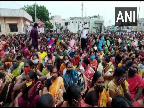 Social distancing norms violated at Andhra Minister's meeting with state govt scheme beneficiaries on Tuesday. [Photo/ANI]