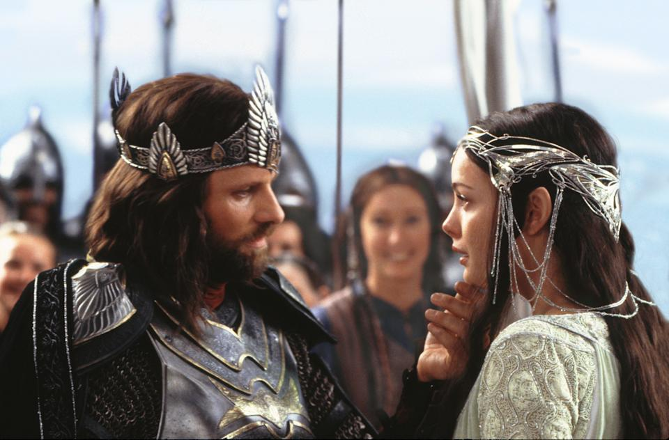 Arwen and Aragorn in Lord of the Rings (Credit: New Line)