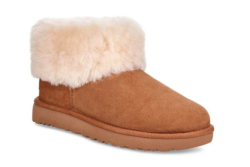 ugg, ugg slippers, ugg boots, slippers, boots, ugg shoes, ugg, 2020 fashion trends