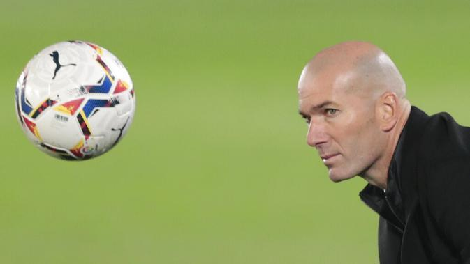 Pelatih Real Madrid, Zinedine Zidane. (AP Photo/Bernat Armangue)