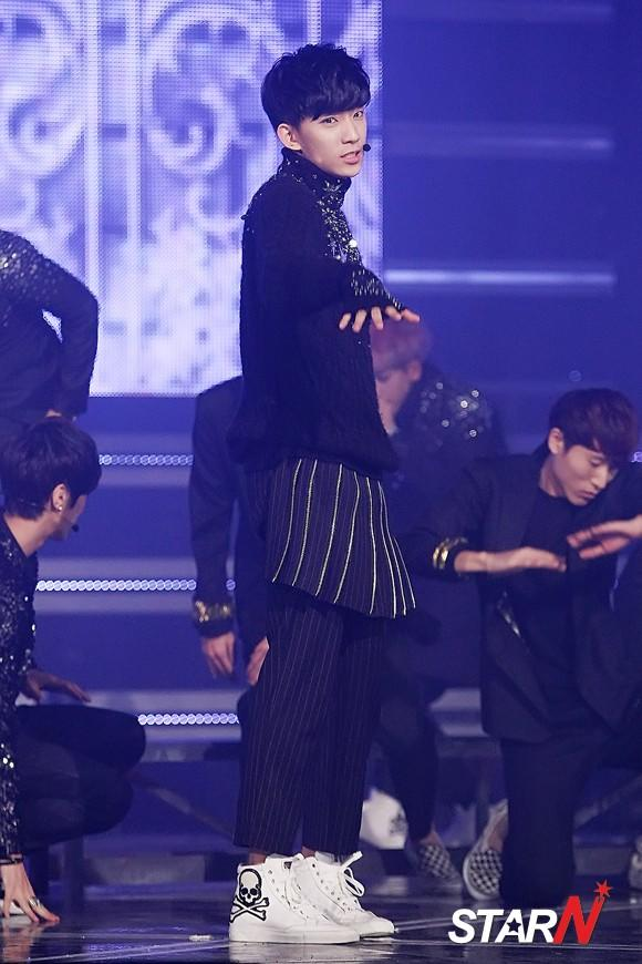 [Photo] B1A4's Gong Chan performing on stage