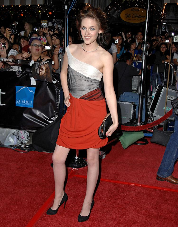 "<a href=""http://movies.yahoo.com/movie/contributor/1807776250"">Kristen Stewart</a> at the Westwood premiere of <a href=""http://movies.yahoo.com/movie/1810010670/info"">Twilight</a> - 11/17/2008"