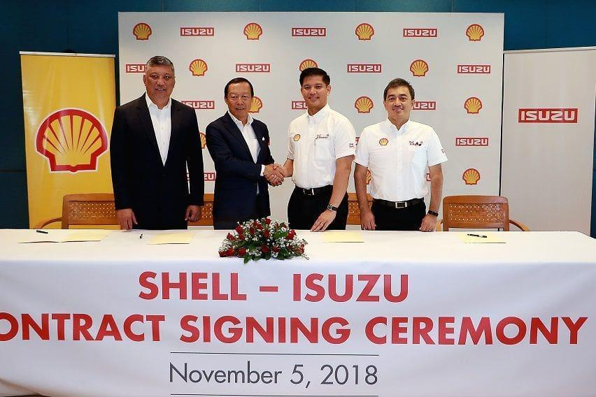 2018 contract signing between Isuzu Philippines and Pilipinas Shell