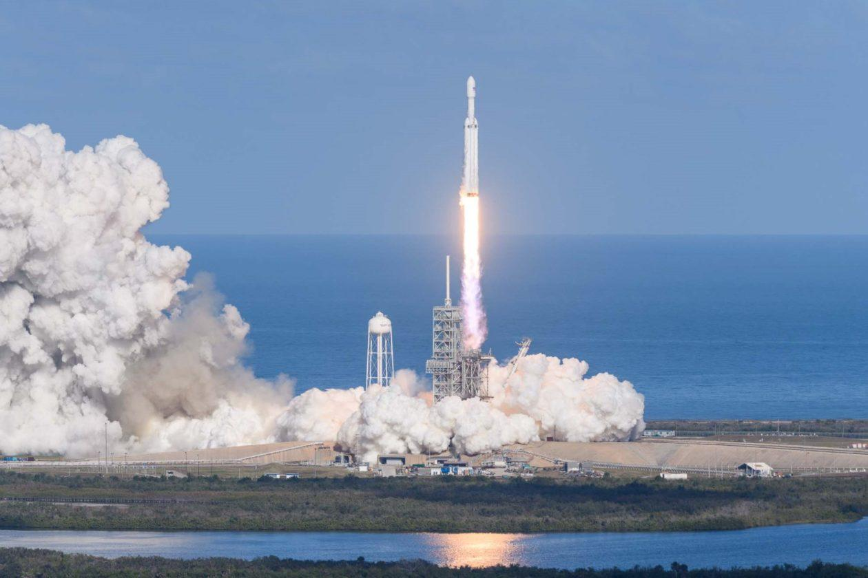 spacex falcon heavy launch today - HD1260×840
