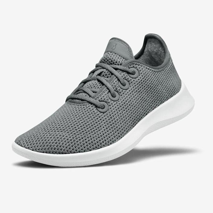 "<p><strong>Allbirds</strong></p><p>allbirds.com</p><p><strong>$95.00</strong></p><p><a href=""https://go.redirectingat.com?id=74968X1596630&url=https%3A%2F%2Fwww.allbirds.com%2Fproducts%2Fwomens-tree-runners-kauri-marine-blue&sref=https%3A%2F%2Fwww.goodhousekeeping.com%2Fhealth-products%2Fg26960479%2Fbest-walking-shoes-for-women%2F"" rel=""nofollow noopener"" target=""_blank"" data-ylk=""slk:Shop Now"" class=""link rapid-noclick-resp"">Shop Now</a></p><p><a href=""https://www.goodhousekeeping.com/clothing/a28969437/allbirds-sneakers-review/"" rel=""nofollow noopener"" target=""_blank"" data-ylk=""slk:Allbirds sneakers"" class=""link rapid-noclick-resp"">Allbirds sneakers</a> are a popular travel option since you can toss them right in the washer for easy cleaning after a long trip. A whopping <strong>91% of our tester panel gave these shoes a perfect rating for comfort</strong>. Reviewers love them for travel, saying ""I walked for 12 miles in one day with them and my feet didn't hurt."" We also love that this style gives you the option to go sock-free too.<br></p>"