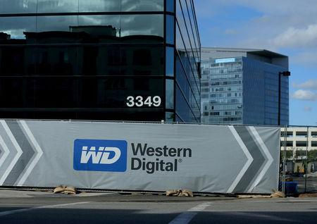 Western Digital's quarterly revenue rises 9.2 percent