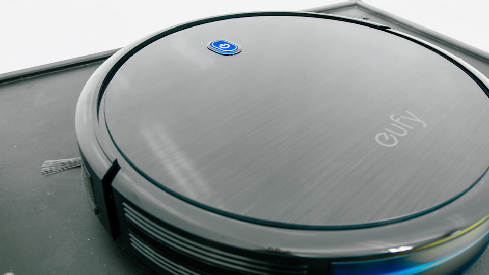 Best gifts for grandpa: Eufy RoboVac 11s