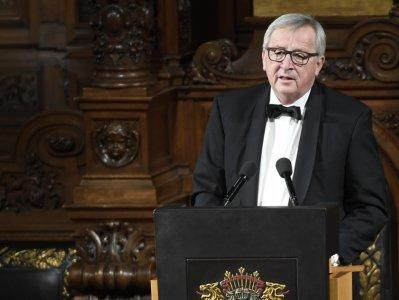 President of the European Commission Jean-Claude Juncker delivers a speech during the traditional St.Matthew's Day banquet (Matthiae-Mahlzeit) in the City Hall in Hamburg, Germany March 2, 2018. REUTERS/Fabian Bimmer
