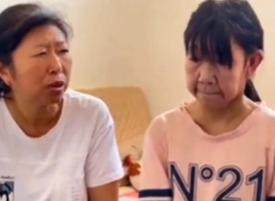 The 14-year old girl, Xiao Li, right, from Xinxiang in China, that looks much older than her age and her mother pictured on the left. Source: AsiaWire/ Australscope