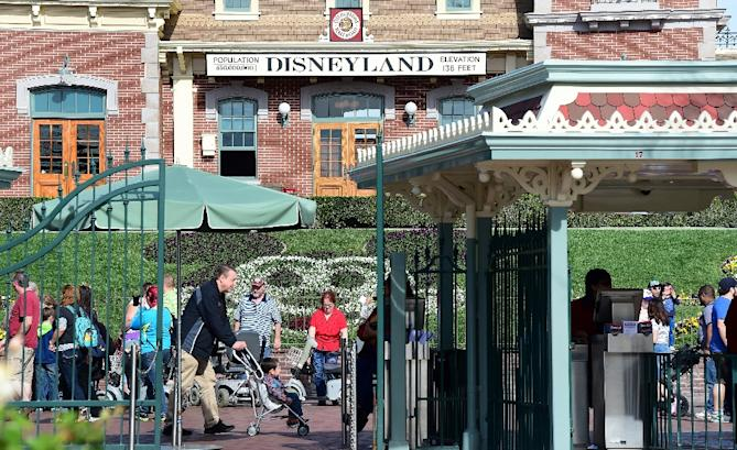 Canada's measels outbreak stems from a case linked to an outbreak clustered around the Disneyland amusement park in California