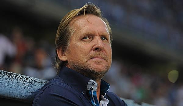 International: Offiziell: Schuster neuer Trainer bei Dalian Yifang in China