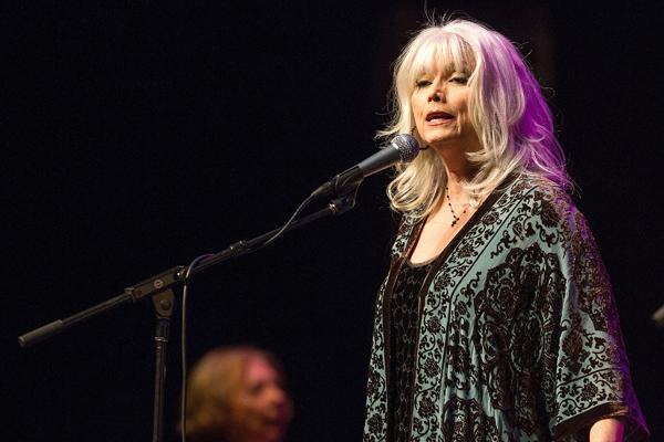Emmylou Harris Charged in L.A. Freeway Accident