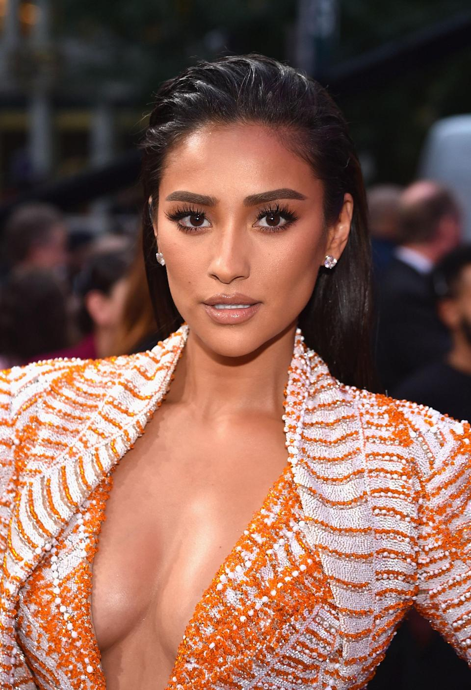 This look is <em>everything</em>, and from the orange outfit to her slicked back hair, we cannot get enough of Shay at the 2018 VMAs.