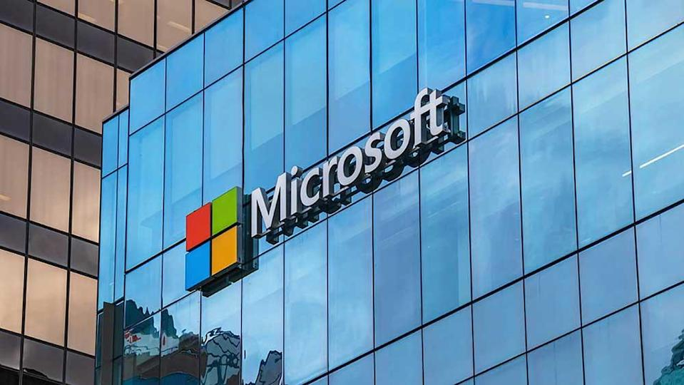 Dow Jones Futures Dive 450 Points, As Microsoft Drops On Revenue Guidance; First Solar Surges On Earnings
