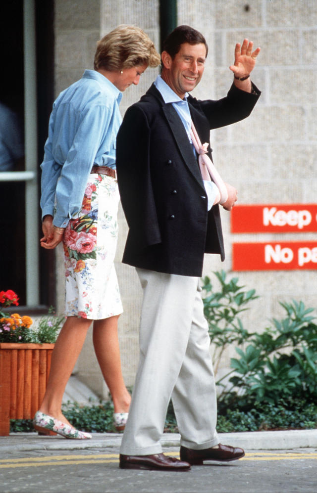 Prince Charles leaves Cirencester Hospital along with then-wife Princess Diana [Photo: Getty]