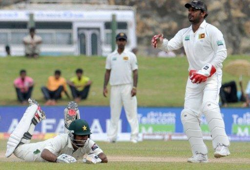 Pakistan carried their second innings from the overnight score of 36-3 to 108-4 by lunch on the fourth day