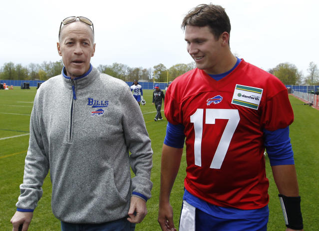 Buffalo Bills rookie quarterback Josh Allen (17) walks with Hall of Fame quarterback Jim Kelly following the team's NFL football rookie minicamp, Friday, May 11, 2018, in Orchard Park, N.Y. (AP Photo/Jeffrey T. Barnes)
