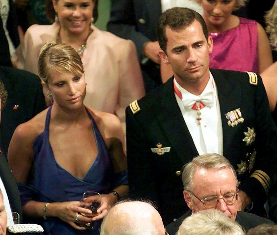 OSLO, NORWAY - AUGUST 25:  File picture dated 25 August 2001 of Spanish Prince Felipe (R) and his then girlfriend, Norwegian model Eva Sannum (L). The 33-year-old heir to the Spanish throne told journalists Friday, 14 December 2001, he had split up with Sannum. AFP PHOTO PRESSENS BILD FILES/ALEKSANDER NO  (Photo credit should read ALEKSANDER NO/AFP via Getty Images)