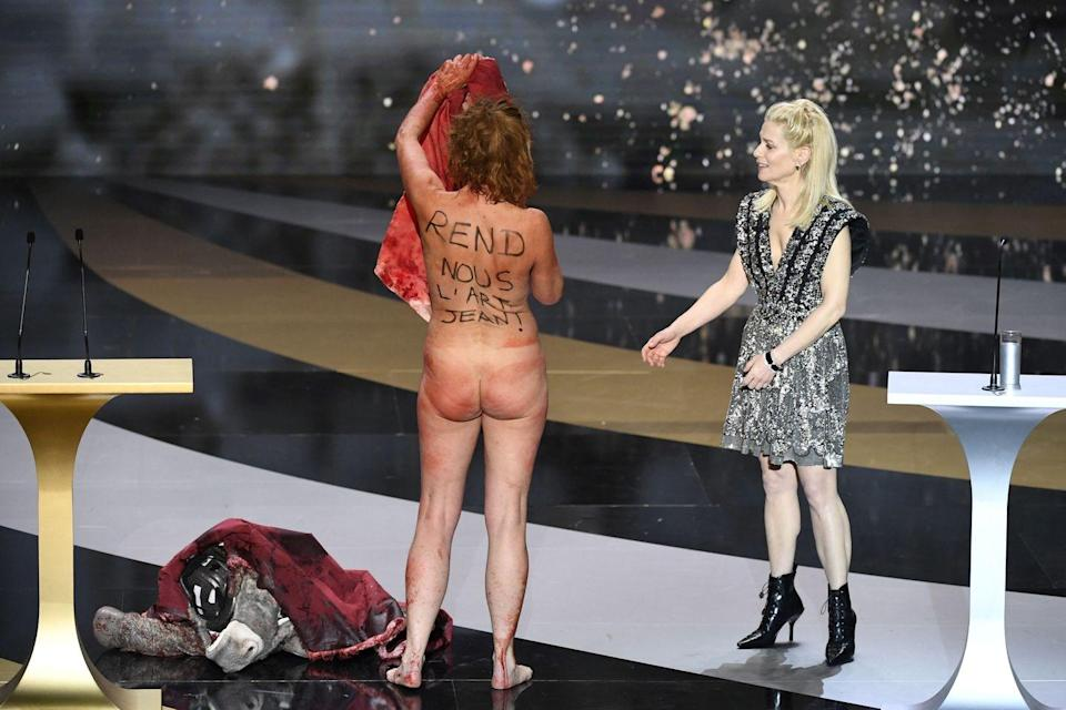 French actress Corinne Masiero protests naked at 'French Oscars' ceremony