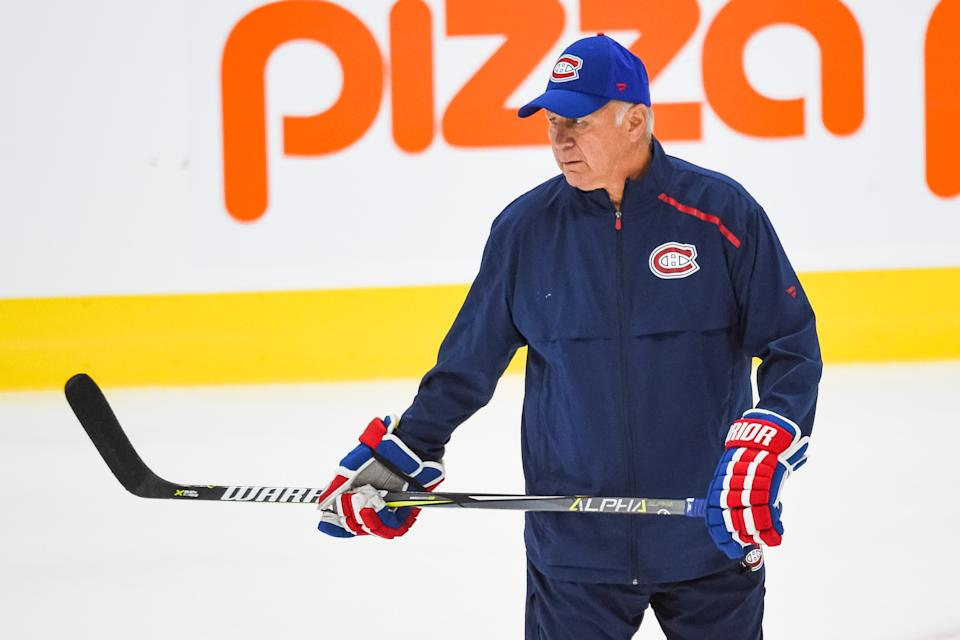 MONTREAL, QC - JULY 21: Montreal Canadiens head coach Claude Julien looks over drills during the Montreal Canadiens training camp on July 21, 2020, at Bell Sports Complex in Brossard, QC (Photo by David Kirouac/Icon Sportswire via Getty Images)