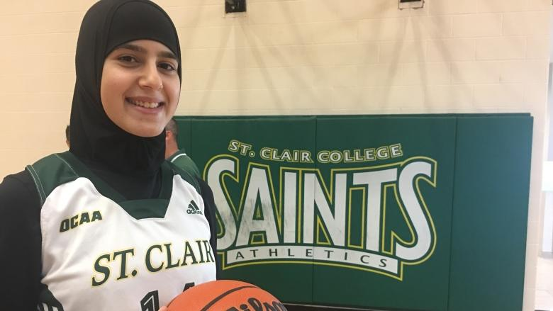 Women's basketball recruit first to wear hijab for St. Clair College