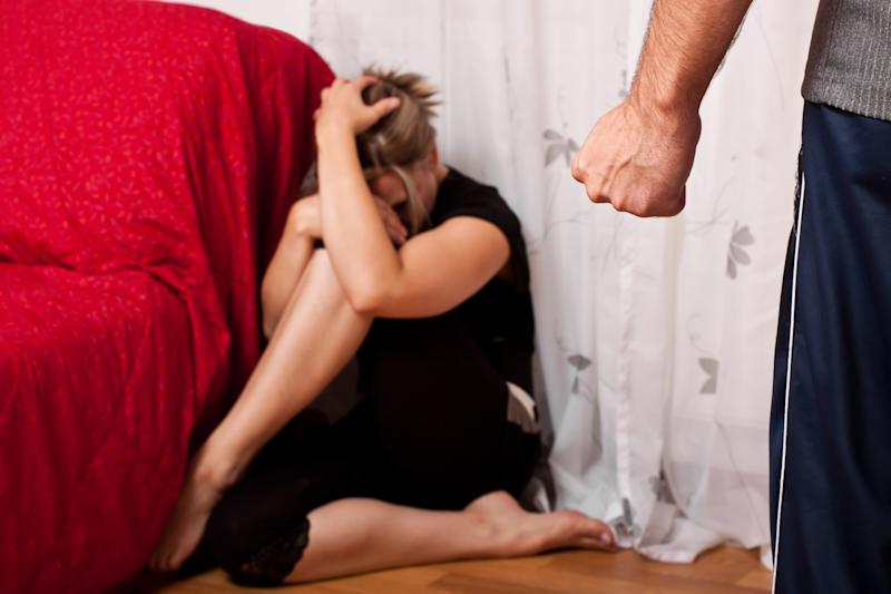 Blonde woman is the victim of aggressive man