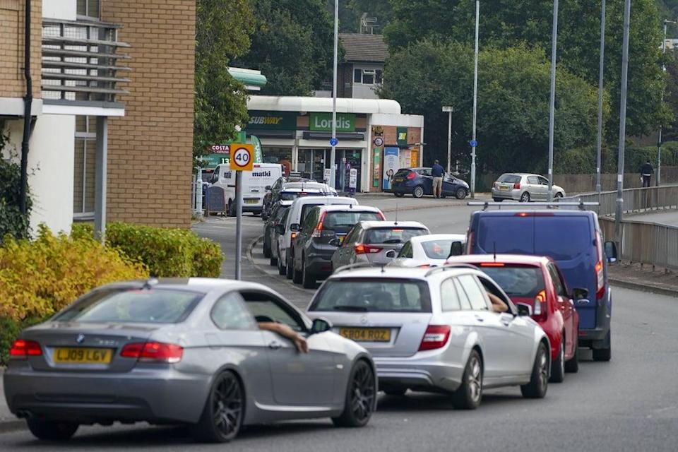 Cars queue for fuel at a BP petrol station in Bracknell, Berkshire (PA) (PA Wire)