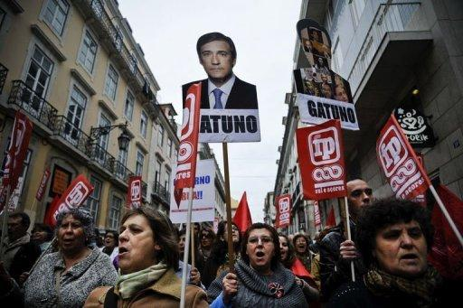 Thousands rally against Portugal austerity