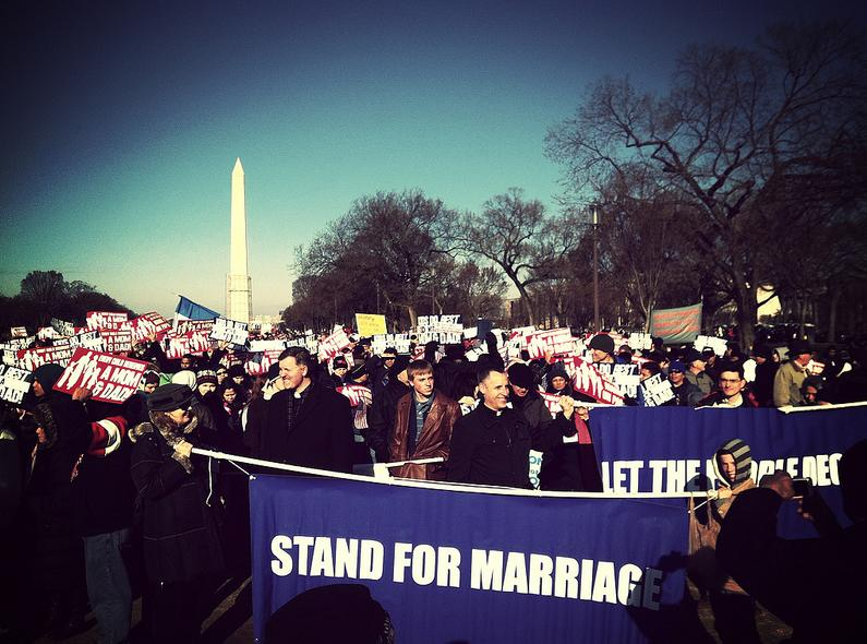 Anti-gay marriage demonstrators begin march to Supreme Court. (Photo: Chris Moody/ Yahoo News)