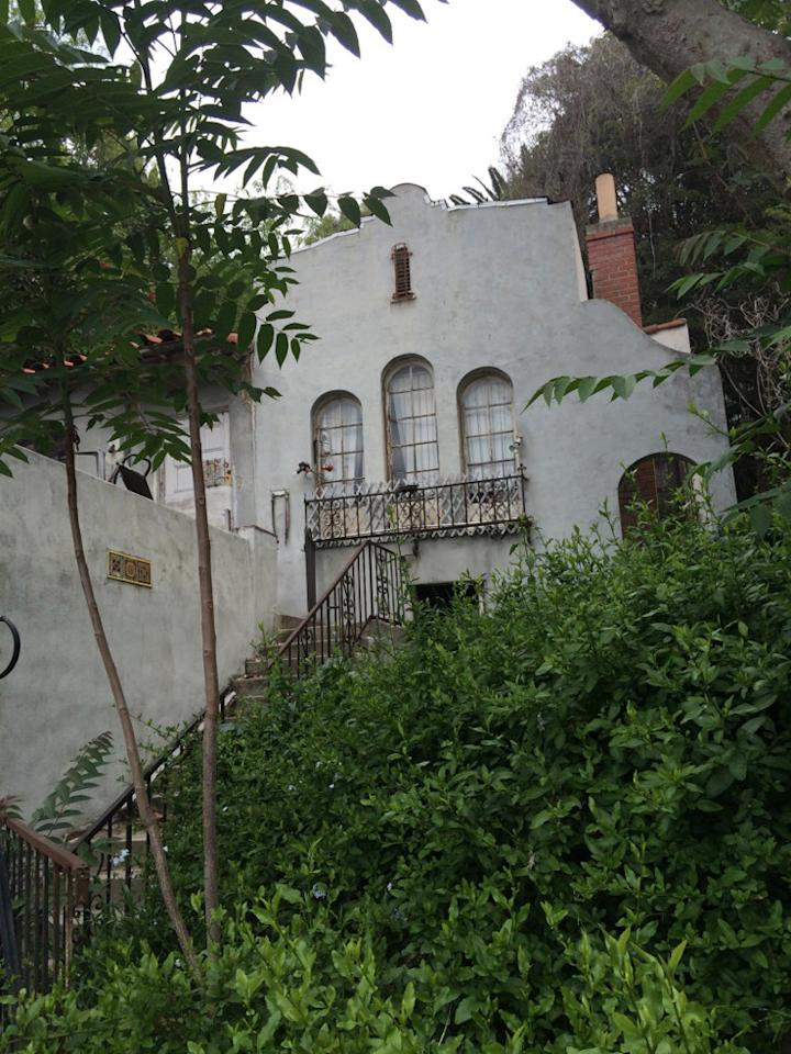 Hoarder s disaster gets epic restoration for Flipping houses in los angeles
