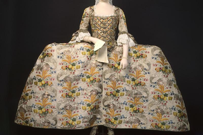 Historical: 18th century court dress worn by Mrs Ann Fanshawe (Museum of London)