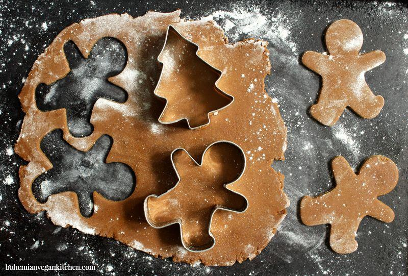 """<p>Who says all of Santa's favorite cookies have to have dairy in them? From gingerbread men to shortbread cookies, these easy vegan cookies won't have anyone missing the milk or butter. Need more healthy holiday swaps? Check out our <a href=""""https://www.delish.com/holiday-recipes/christmas/g25360539/healthy-christmas-recipes/"""" rel=""""nofollow noopener"""" target=""""_blank"""" data-ylk=""""slk:healthy Christmas dinner ideas"""" class=""""link rapid-noclick-resp"""">healthy Christmas dinner ideas</a>, <a href=""""https://www.delish.com/holiday-recipes/christmas/g29806747/healthy-christmas-treats/"""" rel=""""nofollow noopener"""" target=""""_blank"""" data-ylk=""""slk:healthy Christmas treats"""" class=""""link rapid-noclick-resp"""">healthy Christmas treats</a>, and totally indulgent <a href=""""https://www.delish.com/cooking/g4807/vegan-desserts/"""" rel=""""nofollow noopener"""" target=""""_blank"""" data-ylk=""""slk:vegan desserts"""" class=""""link rapid-noclick-resp"""">vegan desserts</a>. </p>"""