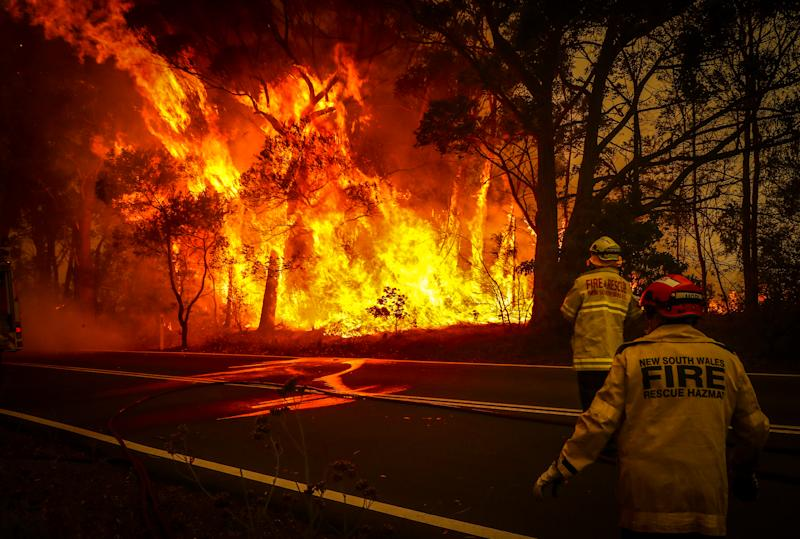 Crews at Bilpin fight fires in December. Source: Getty