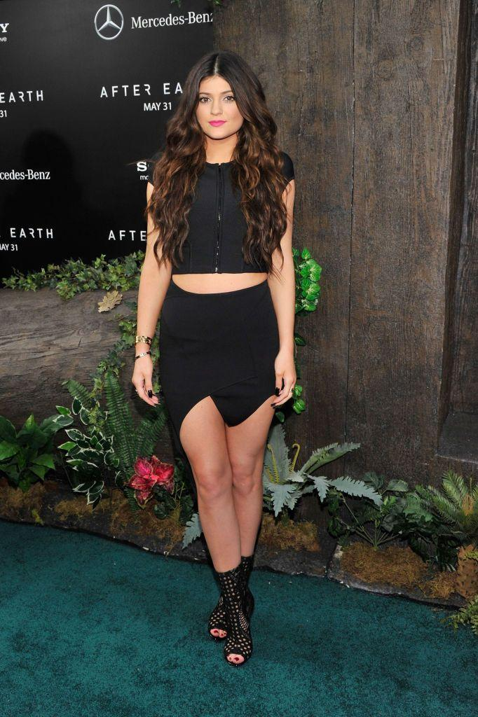 <p>The teen wore a black two-piece to the After Earth premiere.</p>