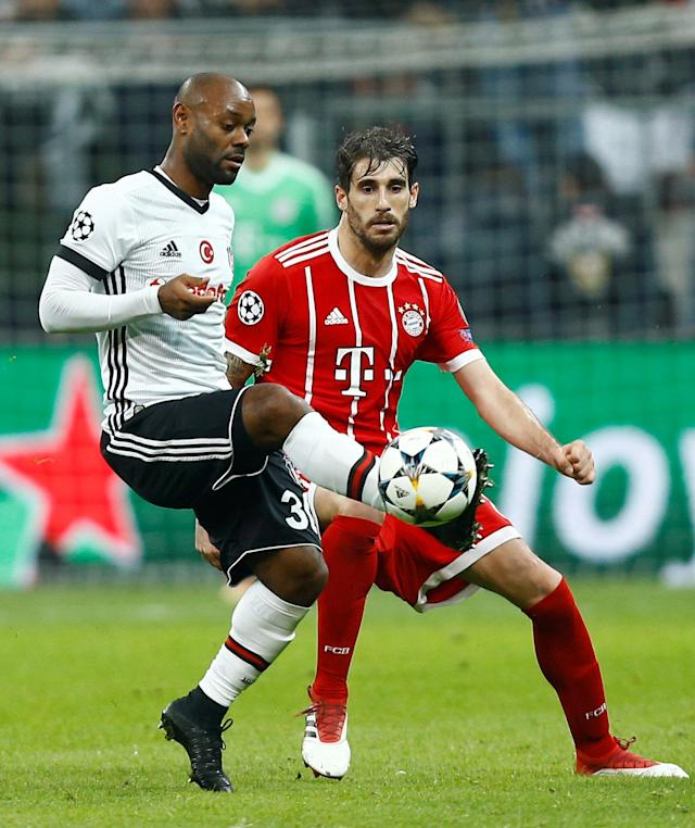 Soccer Football - Champions League Round of 16 Second Leg - Besiktas vs Bayern Munich - Vodafone Arena, Istanbul, Turkey - March 14, 2018 Besiktas' Vagner Love in action with Bayern Munich's Javi Martinez REUTERS/Osman Orsal