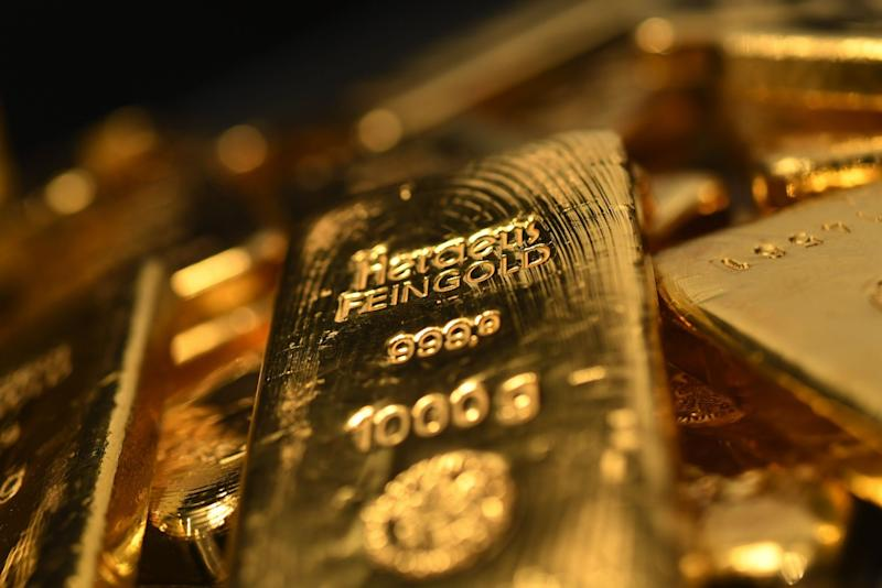 Gold Extends Surge to Record as Haven Demand Builds Before Fed