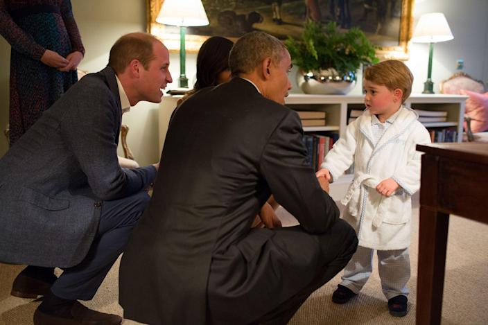<p>APR. 22, 2016 — President Barack Obama with First Lady Michelle Obama meets Prince George the Duke and Duchess of Cambridge watch at Kensington Palace in London. (Official White House Photo by Pete Souza) </p>