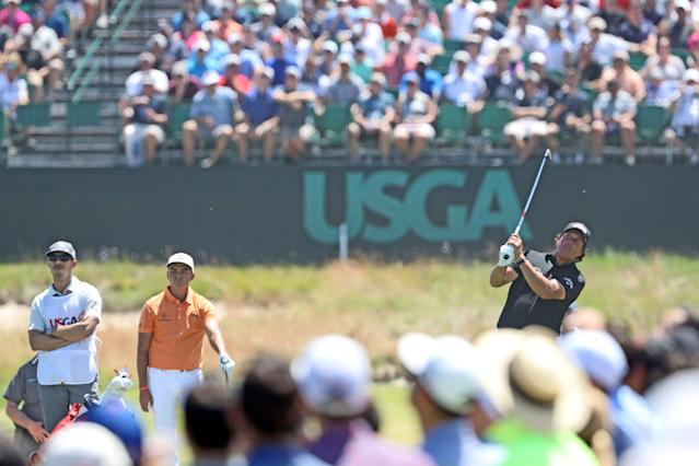 """<div class=""""caption""""> Mickelson returned on Sunday to Shinnecock and shot a one-under 69, but he shouldn't have been allowed to play. </div> <cite class=""""credit"""">David Cannon/Getty Images</cite>"""