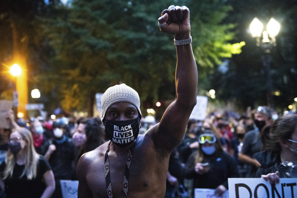 PORTLAND, OR - JULY 25: Protestors clash with Federal Protections Officers outside the Mark O. Hatfield United States Courthouse on July 25, 2020 in Portland, Oregon. Photo: Chris Tuite/imageSPACE/MediaPunch /IPX