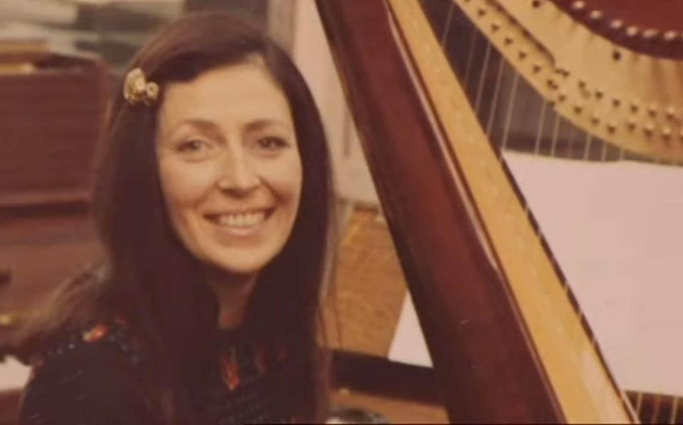 Sheila Bromberg: 'Watcha got on the duss?,' asked Paul McCartney as she tuned her harp at Abbey Road Studios