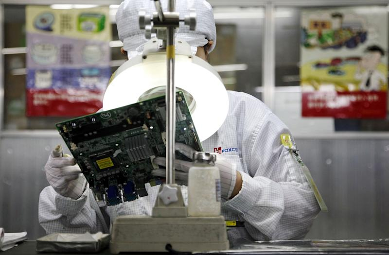 Apple, Foxconn Broke a Chinese Labor Law to Build Latest iPhones